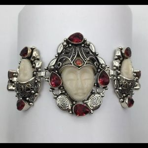 White & Red Balinese Face Statue Bracelet